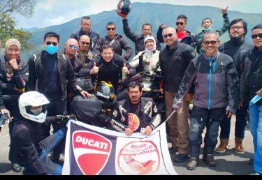 http://content.docindonesia.com/files/video_cover/doci-joli-touring-clips-86994c7212d9487.jpg